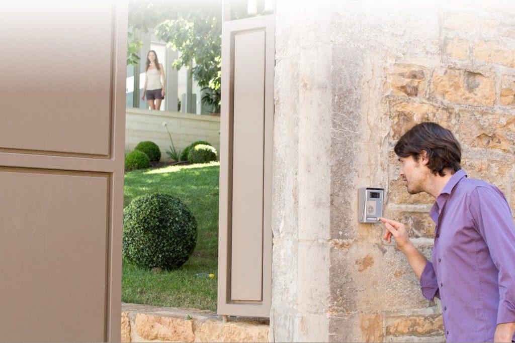 Qui sonne à votre porte